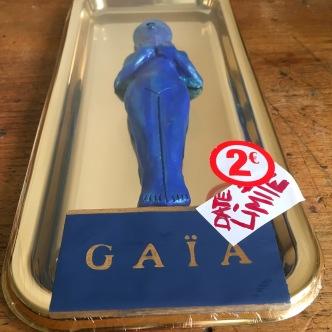 Gaïa overpacked - Le suremballage de Gaïa (DETAIL)